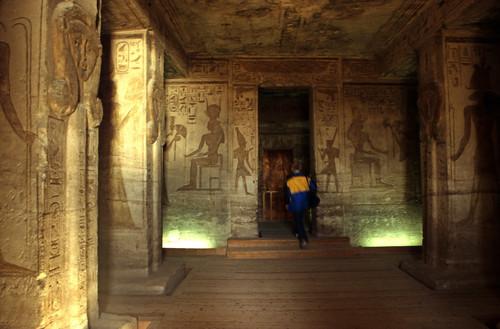 "Ägypten 1999 (108) Im Kleinen Tempel von Abu Simbel • <a style=""font-size:0.8em;"" href=""http://www.flickr.com/photos/69570948@N04/27385041716/"" target=""_blank"">View on Flickr</a>"