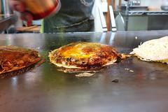 DSC09854 (miaaam) Tags: japan hiroshima lopez okonomiyaki