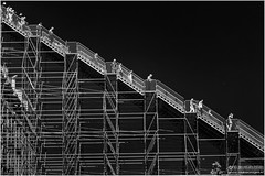 De trap II (Passie13(Ines van Megen-Thijssen)) Tags: street people blackandwhite bw netherlands canon rotterdam zwartwit fineart stairway treppe sw centraalstation trap zw passionphotography inesvanmegen inesvanmegenthijssen