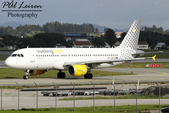 Vueling - EC-LVB - 2016.07.11 - ENZV/SVG (Pl Leiren) Tags: stavanger sola norway svg enzv flyplass airport planes plane planespotting aviation aircraft runway rw airplane canon7d 2016 airliner jet jetliner july july2016 vueling eclvb airbus a320214a320