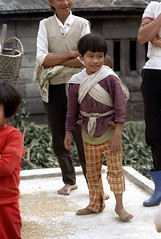 32-074 (ndpa / s. lundeen, archivist) Tags: winter girls people woman baby color fall film girl kids 35mm children infant village nick taiwan barefoot 1970s 1972 hualien 32 taiwanese carry carrying eastcoast dewolf onhisback republicofchina easterncoast onherback easterntaiwan nickdewolf photographbynickdewolf hualiencounty reel32