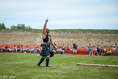 HG16-52 (Photography by Brian Lauer) Tags: illinois scottish games highland athletes heavy scots itasca lifting