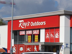 Ray's Outdoors Adelaide (West Tce) closing (RS 1990) Tags: city sale july adelaide closing friday southaustralia 8th 2016 raysoutdoors westtce