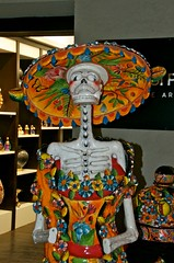JKN©-16-N70-6250 (John Nakata) Tags: dayofthedead mexico mexicocity df flickr catrina joseguadalupeposada lacalaveracatrina dapperskeleton elegantskull calaveraskeleton