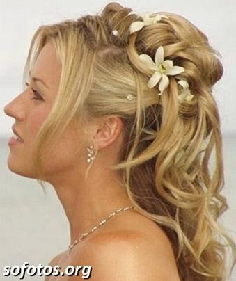 Penteados para noiva com flores