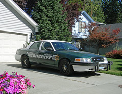 Spokane County Sheriff, Washington (AJM NWPD) (AJM STUDIOS) Tags: flowers garden washington wa parked ajm 2012 greenandwhite fordcrownvictoria 2013 slicktop scso nwpd markedslicktop ajmstudios nleaf ajmnwpd spokanecountysheriff northwestlawenforcementassociation ajmstudiosnorthwestlawenforcementassociation northwestpolicedepartments ajmnleaf spokanecountysheriffsoffice spokanecountysheriffcar spokanecountysheriffsofficeunit spokanecountysheriffunit spokanecountysheriffphoto spokanecountysheriffpicture spokanesheriff spokanecountysheriffsunit spokanecountysheriffmarkedslicktop spokanecountysheriffslicktop markedslicktopsheriff