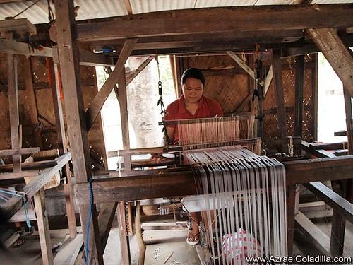 Loom Weaving in Ilocos Sur - photos by Azrael Coladilla