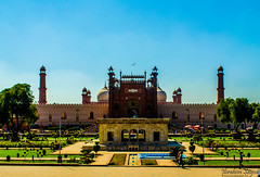 Badshahi Mosque (Ibrahim.Sayed) Tags: old pakistan architecture buildings ancient nikon fort mosque symmetry era 1855 nikkor lahore masjid badshahimosque lahorefort subcontinent mughal badshahi 55200 mughals d5100