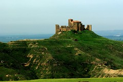 Printemps en Aragon (Espagne) (PierreG_09) Tags: aragon espagne españa huesca guara sierradeguara montearagon château abbaye