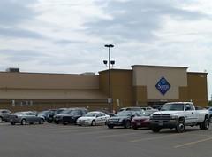 Sam's Club in Mansfield (Ontario), Ohio (Nicholas Eckhart) Tags: road ohio ontario retail club warehouse pace former stores sams mansfield membership 2013 lexingtonspringmill