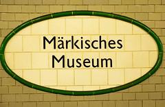 U Bahnhof Mrkisches Museum (Wolle550) Tags: berlin subway u2 metro ubahnhof ubahn kleinprofil pnv bvg berlinmitte vbb berlinerverkehrsbetriebe berlinerubahn alfredgrenander wolle550