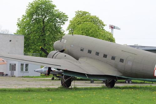 Polish Air Force - Douglas (Lisunov) Li-2T (DC-3) - (027)
