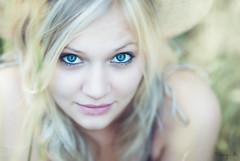 Joanna (Tony N.) Tags: portrait eyes yeux blond blonde joanna nikkor85mm18 d300s
