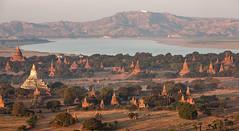 Bagan and Ayeyarwaddy river (Thomas Retterath (+5 mio views)) Tags: travel asia asien urlaub adventure myanmar bagan tempel pagode 2015 ballonsoverbagan