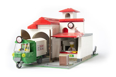 Pizzeria, 32x16 stud Modular (MOC) (Roloff) Tags: city lego pizza modular pizzeria piaggio minifigure moc series11 deliveryvan myowncreation 32x16 pizzadeliveryman collectableminifigure 7100711