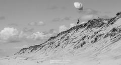 IMG_9160-2 (Laurent Merle) Tags: beach fly outdoor dune cte vol paragliding soaring ozone plage parapente atlantique ocan glisse littlecloud spiruline