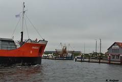 Past uit eindelijk maar net (Romar Keijser) Tags: haven sign call amadeus delfzijl coaster texel imo skil oudeschild mmsi pbjk 9281592 244316000