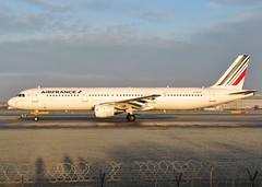F-GTAT (AnDrEwMHoLdEn) Tags: manchester airport airfrance manchesterairport a321 egcc 23l