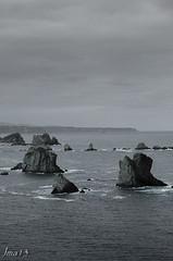 15 01 09 15 01 09 DSCF2628 (jmacirez13) Tags: espaa blancoynegro mar europa asturias playa paisaje cudillero acantilado monocromtico playadelsilencio
