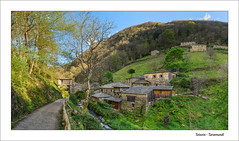 Teixois (Taramundi) - Panormica (Julin Martn Jimeno) Tags: panorama espaa nikon pano asturias panoramica 2016 etnografico taramundi teixois occidenteasturiano rutadelagua d7000 teixos conjuntoetnografico
