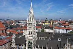 Monachium widziane z gry z innej perspektywy. (Nowiny z Monachium) Tags: altstadt theatinerkirche nowyratusz panoramamonachium