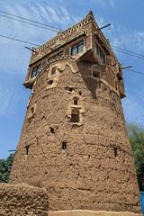 Watchtower (Kachangas) Tags: unesco arabia yemen sanaa wadi oldcity yahya imam saleh yemeni wadidhahr yemencivilwar