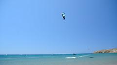 Kitesurfers a Prassonissi, Rodi (giugno 2016) (Matt FCSP Murphys) Tags: blue mare blu aegean kitesurf rodos rodi egeo prassonissi