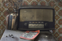 Wireless (Andre govia raw single shot) Tags: wood old abandoned radio vintage decay andre wireless wallpape govia