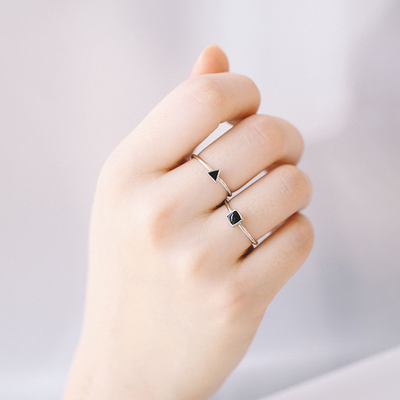 S925 silver shapes of black epoxy ring ring ladies