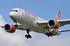 KQ0100 NBO-LHR (A380spotter) Tags: approach arrival landing finals shortfinals belly boeing 787 8 800 dreamliner dreamliner 5ykzc kenyaairways theprideofafrica kqa kq kq0100 nbolhr runway27l 27l london heathrow egll lhr