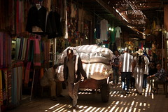 Marrakech Souk (Trotaparamos) Tags: pentax morocco marrakech souk 2016 k50 pentaxdal1855mmwr trotaparamos aventura4x4marruecos
