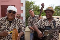 Leopard Band in the Palacio de Valle, Cienfuegos (Jean Ka) Tags: portrait men retrato cuba livemusic portrt orchestra liveband hommes kuba mnner doublebass contrabajo kontrabass orchester contrebasse