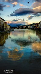 Reflects on Firenze city. (Jean McLane) Tags: travel italy water clouds river florence italia cloudy rivire tuscany nubes firenze arno nuages toscane reflets italie reflejos reflects coursdeau