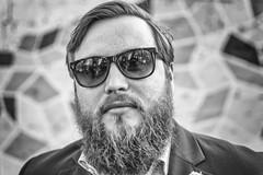 cool mac coolsen (Zesk MF) Tags: portrait man berlin sunglasses beard cool nikon close bart mann nikkor 18 hochzeit sonnenbrille anzug schick