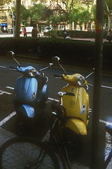 Vespa (Rodrigo Piedra) Tags: barcelona vespa motorbike