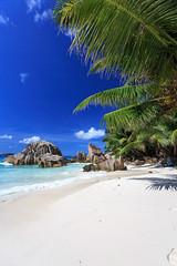 La Dique (Seychelles) (SjPhotoworld) Tags: blue sun holiday nature water rock island see sand rocks honeymoon outdoor indian indianocean seychelles seychellen anse ansesourcedargent dreamisland ladique ansegaulettes