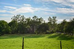 Burg Reddinghoven (G_Albrecht) Tags: architektur aussenansicht himmel landschaft profan umwelt wiese wolken wolkenhimmel