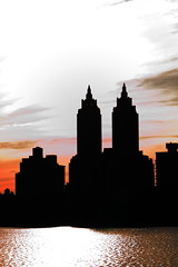 Central Park - JKO Reservoir - 001 (JEM02932) Tags: newyork building silhouette centralpark prédio silueta novayork jacquelinekennedyonassisreservoir jkoreservoir