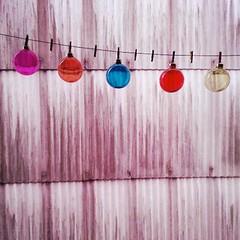 (kasmasan) Tags: winter cold fall glass colors rain cores sadness bolas bookcover frio nadal vidrio coloredglass chuvia