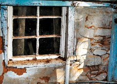 a peek inside (holly hop) Tags: australia centralvictoria cottage decay glass home hww lovescottage newwallwednesday rustic starnaud stonewall wallwednesdays window windowwednesday