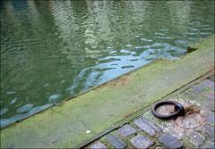 Anneau (photosylvia / silabox) Tags: paris eau pierres canalstmartin anneau quais