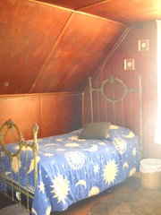 Guest room (royal wave) Tags: guestroom
