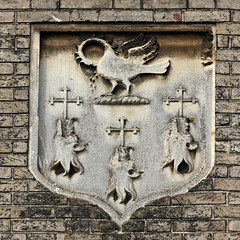 coat of arms (Leo Reynolds) Tags: canon eos iso100 coatofarms 7d f80 110mm 0004sec hpexif leol30random xleol30x