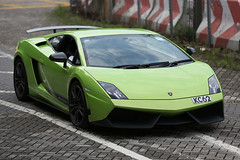 Lamborghini, Gallardo, LP570-4, Superleggera, Tsing Yi, Hong Kong (Daryl Chapman's - Automotive Photography) Tags: auto china road windows hk green cars car photoshop canon photography hongkong eos drive is nice automobile driving power wheels engine fast automotive headlights gas ii brakes 5d petrol autos grip rims lamborghini f28 hkg fuel sar drivers gallardo horsepower topgear mkiii bhp smd superleggera tsingyi 70200l cs6 worldcars sundaymorningdrive darylchapman kc62