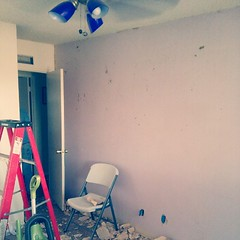 Wallpaper removal was 98% successful. Also, I gave my wall a beating in some areas... #wall #wallpaper #success #messy (MisledYouth74) Tags: square squareformat normal iphoneography instagramapp uploaded:by=instagram