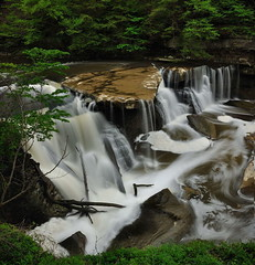 Great Falls of Tinkers Creek (VonShawn) Tags: nature waterfall greatfalls circularpolarizer cuyahogavalleynationalpark neutraldensityfilter tinkerscreek viaductpark ohiowaterfall nikond90