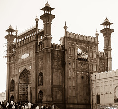 Badshahi Mosque (Ibrahim.Sayed) Tags: old pakistan architecture buildings ancient nikon mosque symmetry era 1855 nikkor lahore masjid badshahimosque subcontinent mughal badshahi 55200 mughals d5100