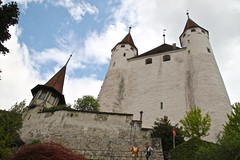 Thun Castle, Switzerland (Henk Bekker) Tags: switzerland thun thunersee berneroberland lakethun swisscastles thuncastle schlossthun