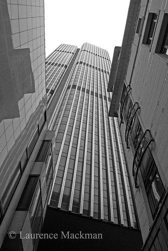 Tower42 216 E W BW