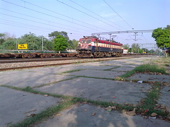 WAG7 24522 [JHS] NCR (Abhinav (The Ludhiana Edition)) Tags: city light up wag punjab heading caught towards manufactured jhs bhel jrc jalandhar jhansi 24522 juc wag7 chiheru